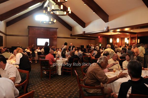 atmosphere at Dellwood C.C.<br /> photo by Rob Rich © 2010 robwayne1@aol.com 516-676-3939