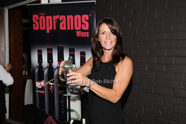 Katrina Adams and Sopranos wine<br /> photo by Rob Rich © 2010 robwayne1@aol.com 516-676-3939