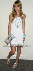 Bella Thorne photo by Rob Rich © 2009 robwayne1@aol.com 516-676-3939