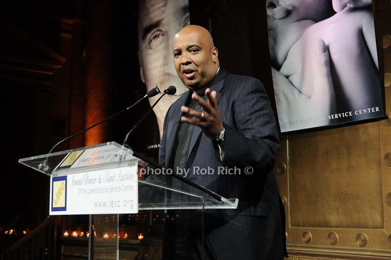 Rev Run<br /> photo by Rob Rich © 2010 robwayne1@aol.com 516-676-3939