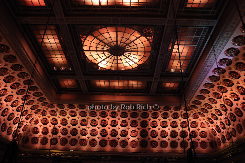 atmosphere at Capitale<br /> photo by Rob Rich © 2010 robwayne1@aol.com 516-676-3939