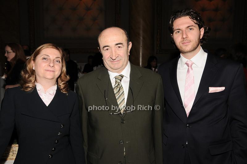 Sue Mabzalcioglu, Abe Mabzalcioglu  , John Mabzalcioglu<br /> (Diamond Club International)<br /> photo by Rob Rich © 2010 robwayne1@aol.com 516-676-3939