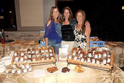 Kim Reddy, Shari Erigati, Felicia lindner (White Post Gourmet)