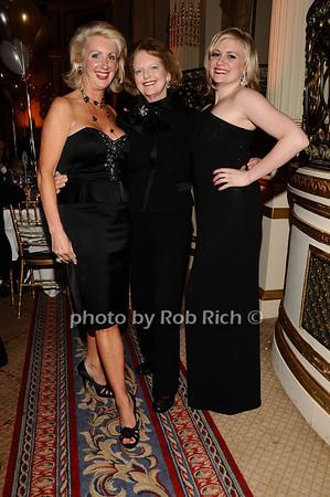 Jennifer Swindal, Joan Steinbrenner, Haley Swindal<br /> photo by Rob Rich © 2010 robwayne1@aol.com 516-676-3939