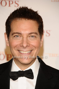 Michael Feinstein photo by Rob Rich © 2010 robwayne1@aol.com 516-676-3939