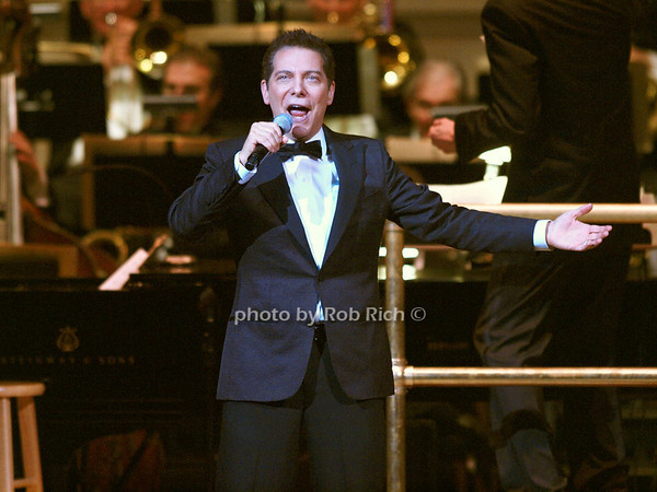 Michael Feinstein<br /> <br /> photo by Rob Rich © 2010 robwayne1@aol.com 516-676-3939