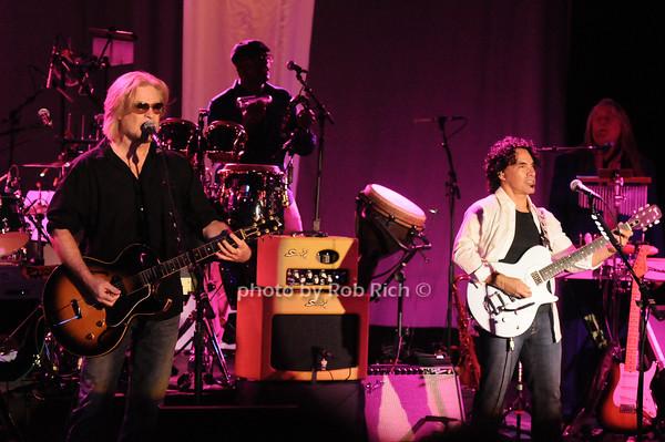 Hall & Oates<br /> photo by Rob Rich © 2010 robwayne1@aol.com 516-676-3939