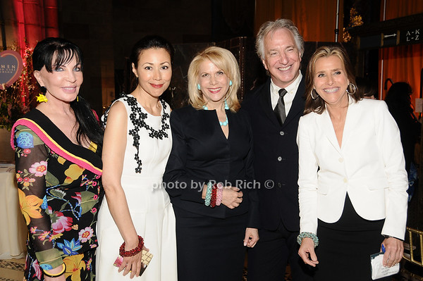 Loreen Arbus, Ann Curry, Francine Lefrak, Alan Rickman, Meredith Vieira<br /> photo by Rob Rich © 2010 516-676-3939 robwayne1@aol.com