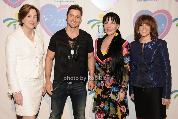 Pamela Gallin, Timothy Mandala, Loreen Arbus, Linda Kaplan Thaler<br /> photo by Rob Rich © 2010 516-676-3939 robwayne1@aol.com