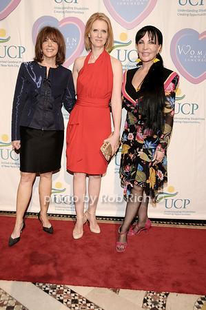 Linda Kaplan Thaler, Cynthia Nixon, Loreen Arbus<br /> photo by Rob Rich © 2010 516-676-3939 robwayne1@aol.com