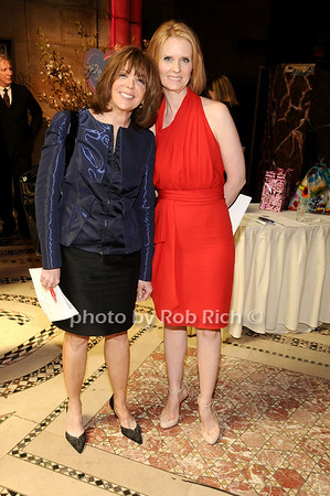 Linda Kaplan Thaler, Cynthia Nixon<br /> photo by Rob Rich © 2010 516-676-3939 robwayne1@aol.com