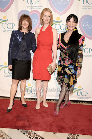 Linda Kaplan Thaler, Cynthia Nixon, Loreen Arbus<br /> photo by Rob Rich © 2010 516-676-3939 robwayne1@aol.com