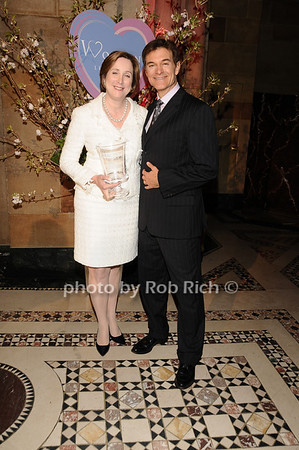 Dr. Pamela Gallin, Dr. Mehmet Oz<br /> photo by Rob Rich © 2010 516-676-3939 robwayne1@aol.com
