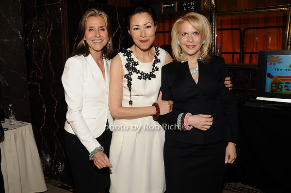 Meredith Vieira, Ann Curry, Francine Lefrak<br /> photo by Rob Rich © 2010 516-676-3939 robwayne1@aol.com