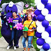 Debbie Blank | The Herald-Tribune<br /> Close to 400 prepare to depart Liberty Park on the Southeast Indiana Walk to end Alzheimer's route.