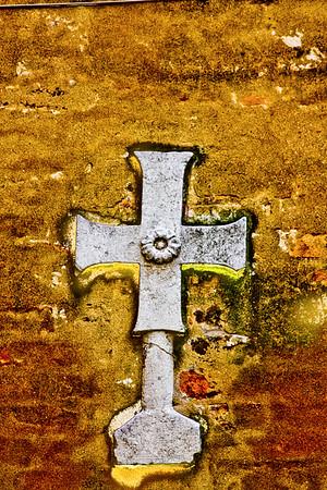 La Cruz Sagrada