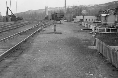 2021.009.PA.004--charles stats 3x4 print [US Army]--ARR--power plant and yard scene--Curry AK--c1951 0000