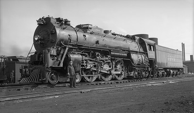 2021.009.02.007--charles stats PC neg [Doc Yungmeyer]--AT&SF--steam locomotive 4-6-4 3464 at Corwith yard with engineer O Ernst--Chicago IL--1938 0410