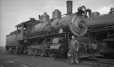 2021.009.02.004--charles stats PC neg [Doc Yungmeyer]--AT&SF--steam locomotive 2-8-0 746 with hostler Frank Staby at Corwith yard--Chicago IL--1936 0509