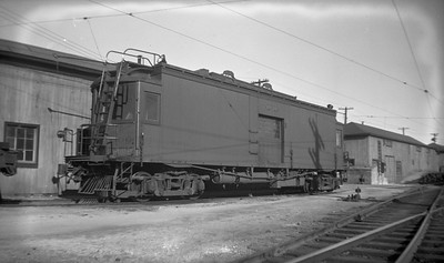 2021.009.4.013--charles stats 116 neg [Raymond Colombe]--CNS&M--freight motor 606 at shops--Highwood IL--c1938 0000