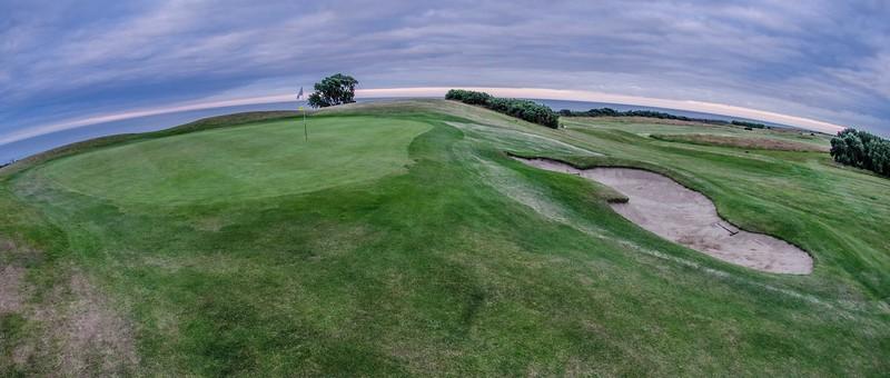 Charlesland Golf Club under 1MB