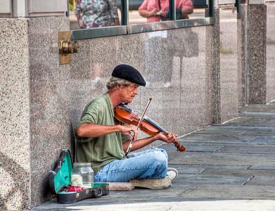 street-musician-violin
