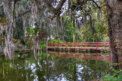 magnolia-plantation-red-bridge