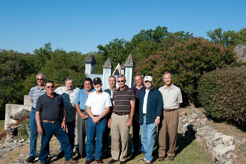 front:  Jim Lee, Dan Hinojosa (blue shirt), Dan Buress, Herb Damsteegt, Mike Aird.  back:  Stuart Burns, Gary Tarpein, Doug Sample (moustache), Bobby Powers, Bill Higgins.