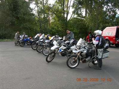 The line up starts in the Chamber of Commerce parking lot, their would be a lot more riders by the time the riders meeting began.