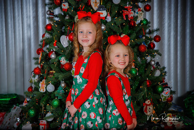 Charlotte and Lexis Christmas 2018-23