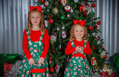 Charlotte and Lexis Christmas 2018-14
