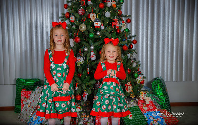 Charlotte and Lexis Christmas 2018-13