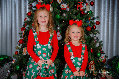 Charlotte and Lexis Christmas 2018-20