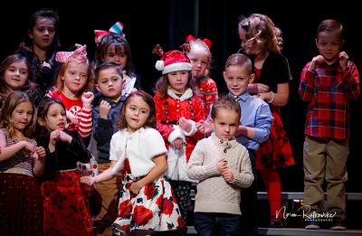 C and L Christmas play 2019-6