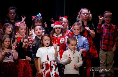 C and L Christmas play 2019-7