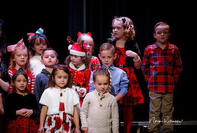 C and L Christmas play 2019-4