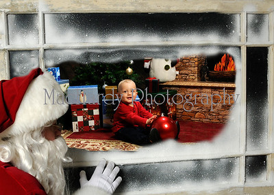 Santa in Window 5x7 Abel
