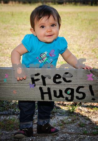 _DSC9621 hugs