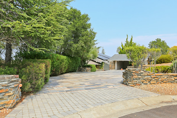 27718 Via Ventana Way, Los Altos Hills 94022