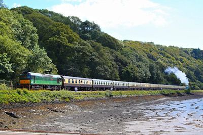 "D7535 arrives into Kingswear passing the Royal Britannia Crossing on the rear of the: 1Z27 09:15 Bristol Temple Meads to Kingswear ""The Torbay Express""  19/08/12"