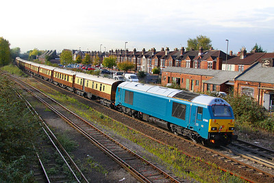 670030 departs Eastleigh on the rear of the VSOE running as the: 5Z92 07:00 Stewarts Lane to Bournemouth 21/10/11  Watch the video at: http://youtu.be/TSAvr3ZxtpY