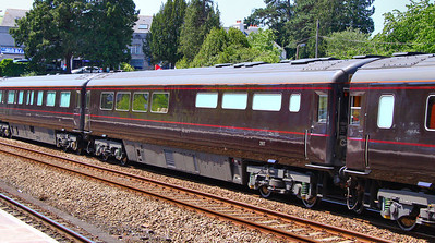 "Royal Coach No 2917 ""Royal Kithcen & Household Dining Car"" heads north through Totnes. 03/06/11. Converted from HST TRUK No 40514. Large kitchen and 2+1 table seating for dining by the Royal Household  Watch the video at: http://www.youtube.com/watch?v=gC0QJOIUxtE"