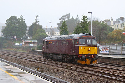 33207 heads north through Totnes on the: 0Z38 11:46 Bodmin Parkway to Southall  19/11/12