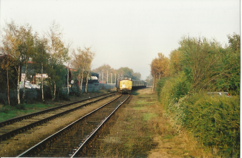 37 416<br /> <br /> Arrives at Ormskirk <br /> <br /> With the Guild and Docker Tour <br /> <br /> 19th Nov 2005