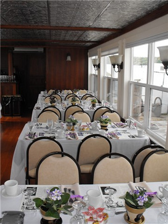 Formal sit down dinner and lunch seating arrangements aboard the Duchess.