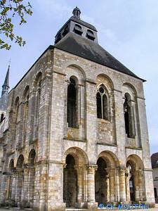Abbaye, St Benoit sur Loire