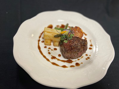 – Surf & turf – Pan seared 5oz beef filet, pan seared scallop, duck fat fried potatoes, asparagus, red wine jus