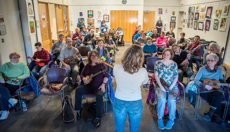Chelmsford Public Library How To Play A Ukulele The Sun Lowell
