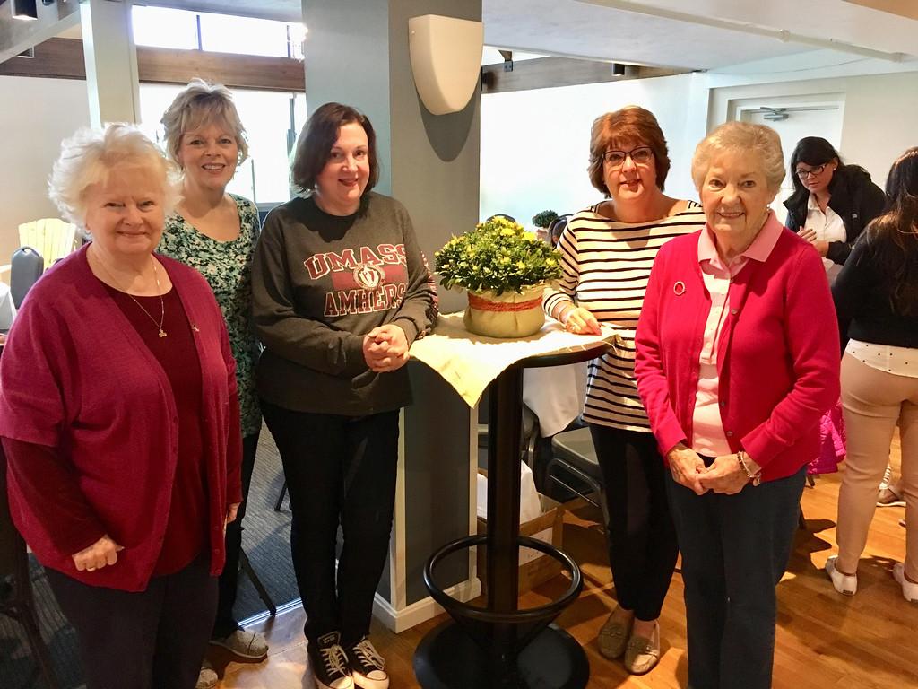 . Tewksbury divas, from left, Marie Sweeney, Cathy Dwyer, Lorna Garey, Mary-Ann O�Brien Nicholas and Rita O�Brien Dee