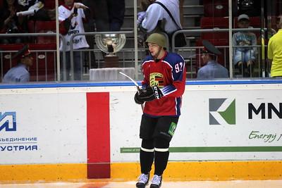 Евгений Кузнецов в каске